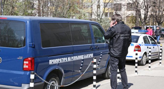Задържани са седем служители на ДАИ-Перник