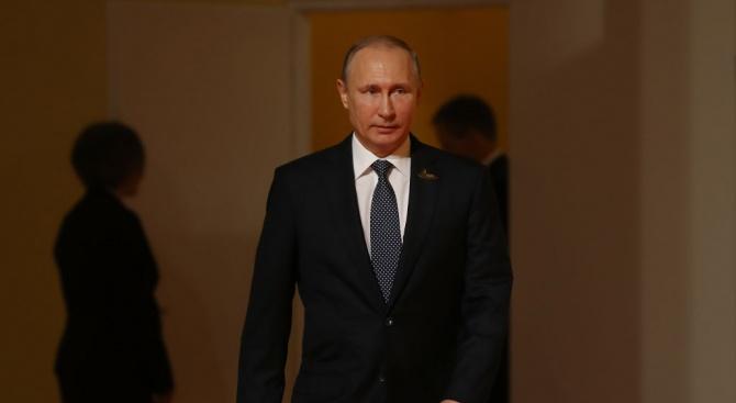 """Путин откри завод за автомобили """"Мерцедес""""в Московска област"""