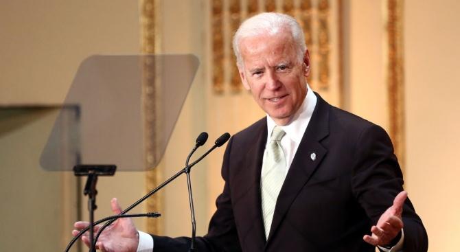 Бившият вицепрезидент на САЩ Джо Байдън обеща да бъде по-внимателен