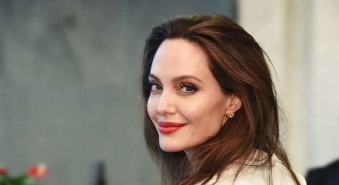 Анджелина Джоли може да заеме държавен пост
