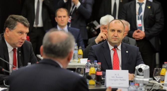 Още вчера президентът Румен Радев свали доверието си от председателя