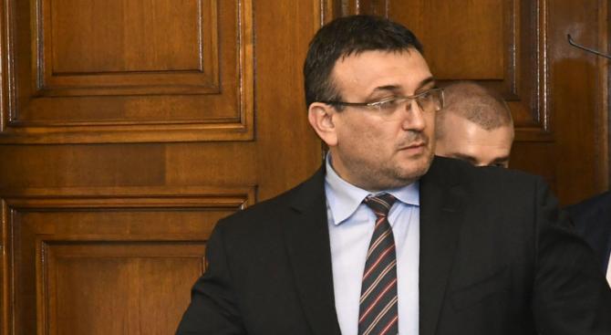 Младен Маринов: Телата на загиналите в самолетната катастрофа в Македония са силно обгорели и трудни за идентифициране
