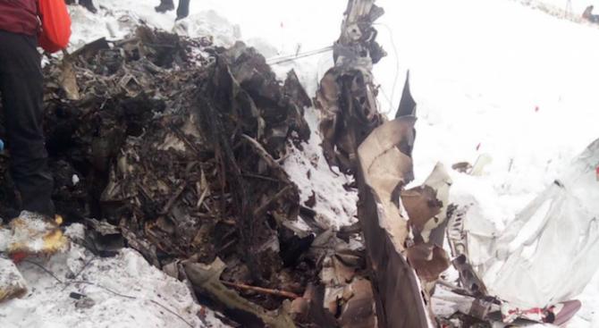 До един месец Комитетът за разследване на самолетни катастрофи и