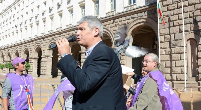 Пламен Димитров, КНСБ: Заплатите растат бавно