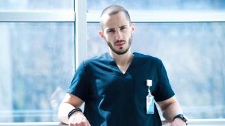 """Доктор Тасев - на ръба на разума в """"Откраднат живот: Любовта лекува"""""""