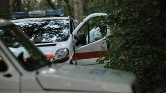 Борят се за живота на баба, пребита от 33-годишен в Бяла