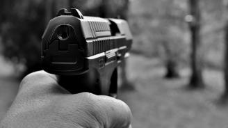 Дядо заплаши комшията си с газов пистолет
