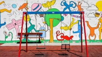 Посолството на САЩ инвестира повече от 200 000 долара в детски площадки във Варна