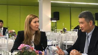 Министър Ангелкова разговаря в Севиля с Хуайонг Ге