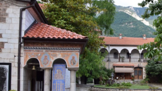 Игуменът на Бачковския манастир архимандрит Самуил е освободен от длъжност