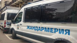 Четирима души от Лом са задържани при акция срещу контрабандата на гориво