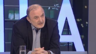 Д-р Николай Михайлов: Борисов прави нелеп опит да чисти оборите си
