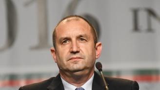 Президентът към здравните работници:  Помогнете за връщане на доверието в българското здравеопазване