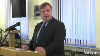 Красимир Каракачанов: Към момента няма пряка опасност от мигрантска вълна