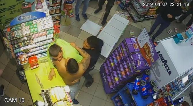 Роми пребиха продавач в магазин в Габрово