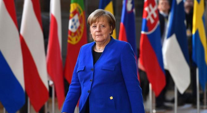 Починала е Херлинд Каснер, майката на германския канцлер Ангела Меркел,