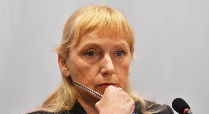 Йончева: Ако имаше демократично управление, можехме да водим диалог в парламента