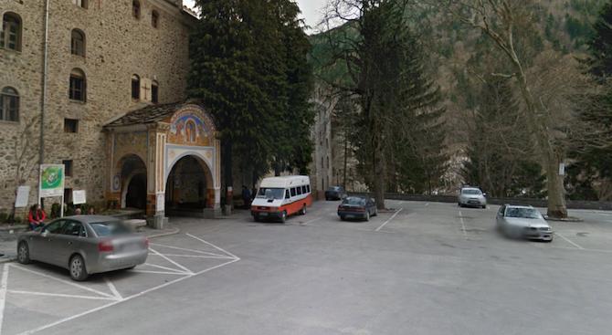 Укрепват пътя за Рилския манастир за Великден