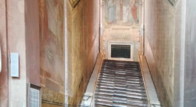 Светите стъпала, по които според преданието е преминал Исус Христос