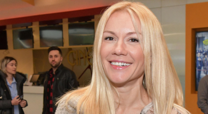 Снимка: Мария Игнатова на червено след раздялата с Рачков, иска пари от Петко Димитров