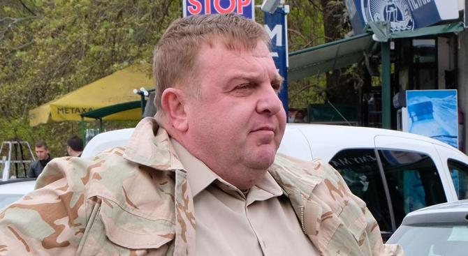 Каракачанов: Не може да протестираш срещу циганската престъпност и да вършиш цигански работи