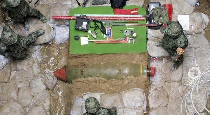 Бомба от Втората световна война беше детонирана в река в центъра на Франкфурт