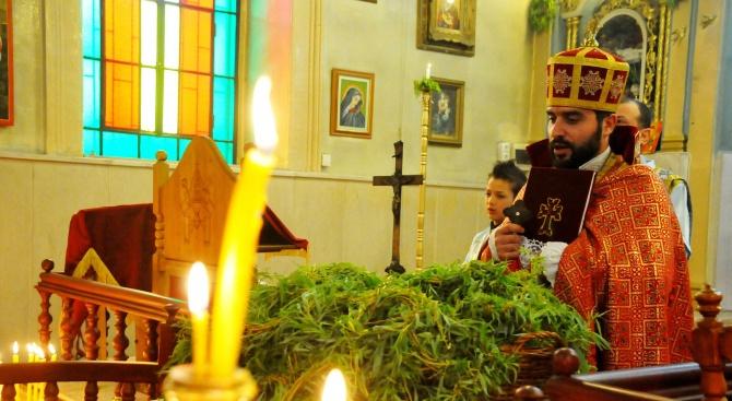 Католици и арменци в Бургас посрещнаха Цветница