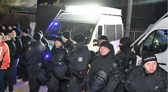 Стотина жители на Габрово излязоха на нов мирен протест. Недоволството