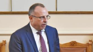 Според министър Порожановняма основания за оставка,която биопроизводителите му поискаха