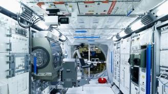 Международната космическа станции е потънала в бактерии и гъбички