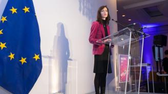 Мария Габриел ще се срещне в Брюкселс български журналисти