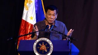 Президентът на Филипините се хвали с размера на пениса си