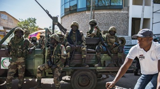 Военни са свалили суданския президент-ислямист?