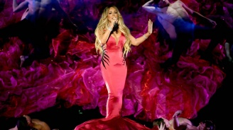 """Връчват наградата """"Икона"""" на """"Билборд"""" на Марая Кери"""