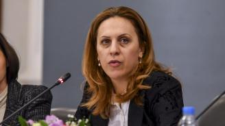 Вицепремиерът Марияна Николова: Образованието е ключово за решаването на ромския проблем