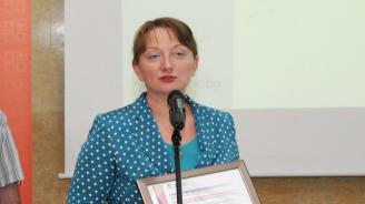 Деница Сачева: Спирането на детските надбавки само за месец не работи