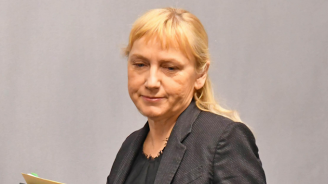 Йончева: Станишев трябва да бъде част от евролистата