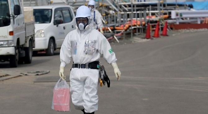 """Изваждат ядрено гориво от атомната централа """"Фукушима"""""""