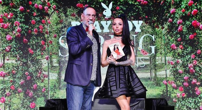 Снимка: Деси Фотосесията с премиера на дебютната си книга