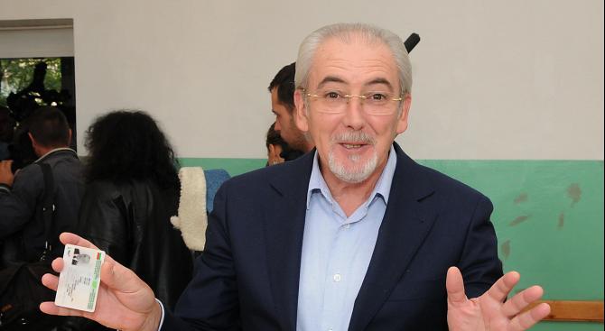 Лютви Местан е освободен от ареста в Кърджали