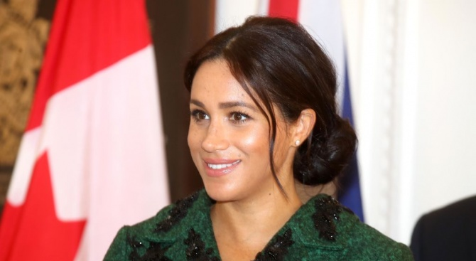 Американските данъчни власти дебнат кралското бебе на Хари и Меган
