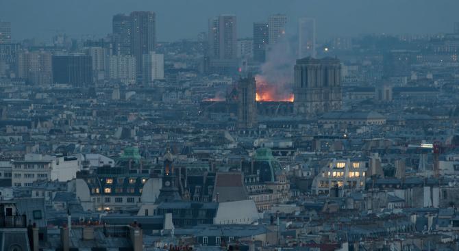 Токио се готви да помогне на Франция