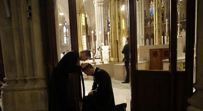 Снимка: Отец Валтер: За Великден пожелавам на хората да намерят решението на своите проблеми