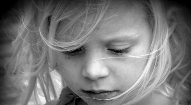 Снимка: Майка изостави 7-годишното си дете, разбирайки, че има сърдечно заболяване