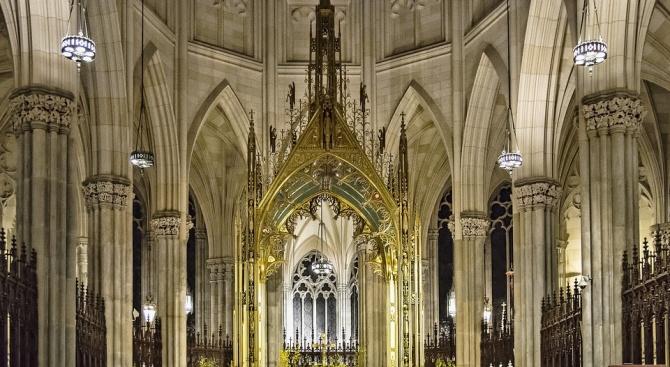 """Мъж се е опитал да запали нюйоркската катедрала """"Свети Патрик"""""""