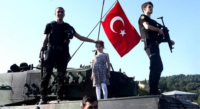 Турската армия изпрати на сирийската граница подкрепление от специални части