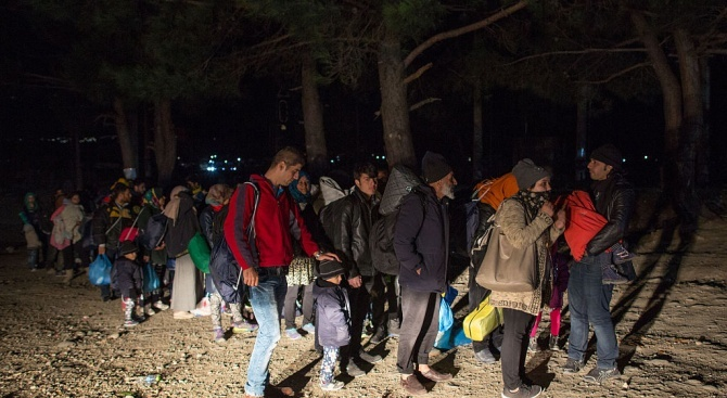 В Гърция арестуваха 70 нелегални мигранти
