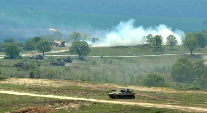 """Сухопътни войски проведоха учение на полигон """"Корен"""""""