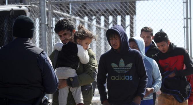 Близо хиляда кубински мигранти пристигнаха в мексиканския град Сиудад Хуарес