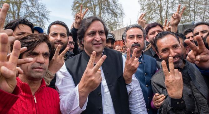 Разочарован от себе си индийски гласоподавател заяви си е отрязал